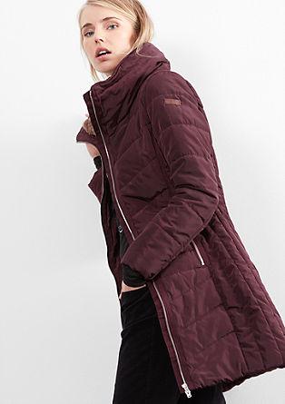 Accentuerende gewatteerde mantel
