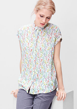 Airy summer blouse with a pattern from s.Oliver