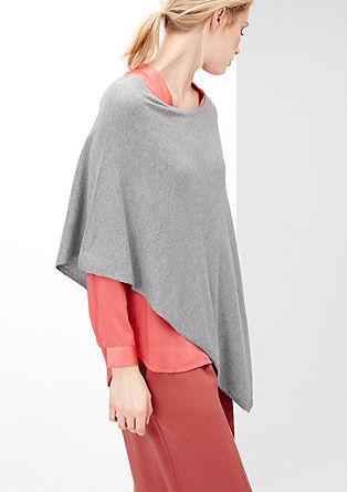 Asymmetrische, fijngebreide poncho