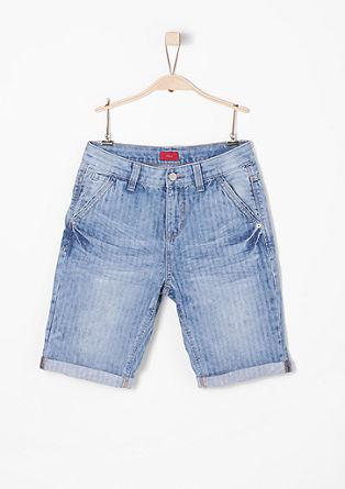 Benno: jeans met 3/4-pijpen en visgraatstructuur
