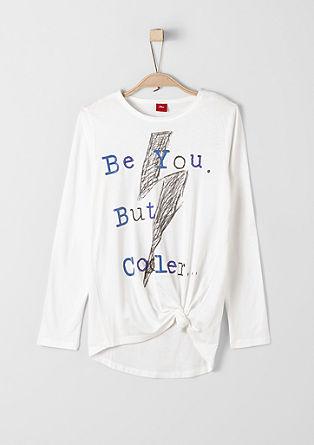 Besticktes Knoten-Shirt