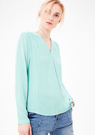 Blouse top in viscose with a V-shaped cut-out from s.Oliver