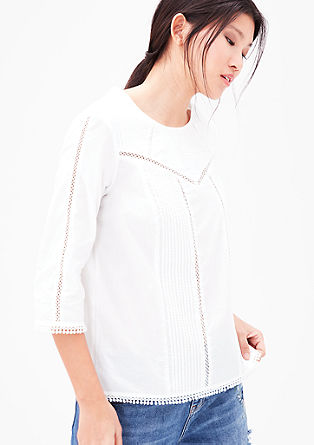 Bluse mit Biesen und Lochsaum-Muster
