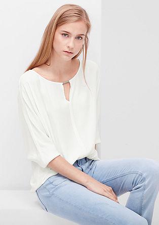 Blusenshirt mit dekorativen Ausschnitt