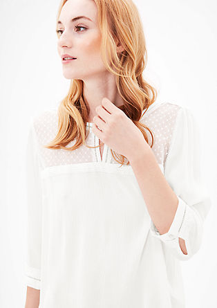 Bluza iz krepa s čipkastim oplečkom