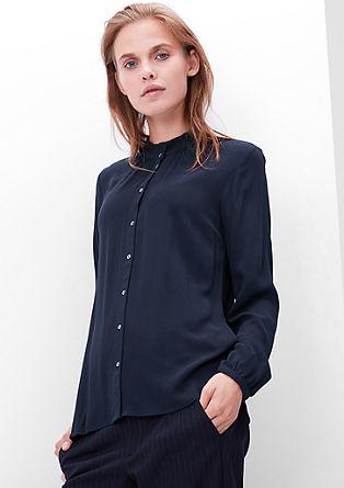 Bluza iz krepa z nabranim ovratnikom