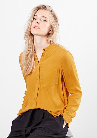 Bluza s teksturo in stoječim ovratnikom