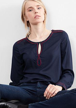 bluza v folklornem stilu