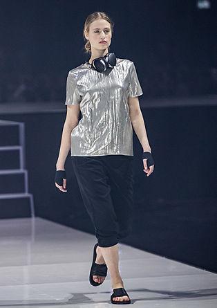 Bluza v kovinskem videzu