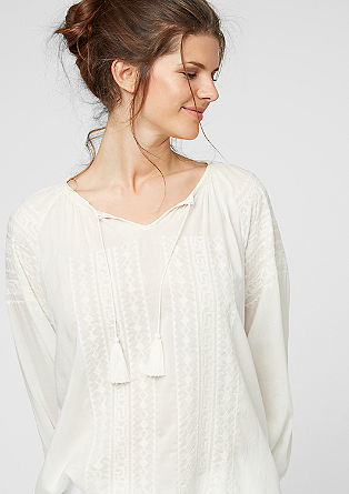 Bluza z etno vezenino