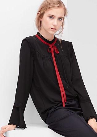 Bluza z nabranim ovratnikom in čipko