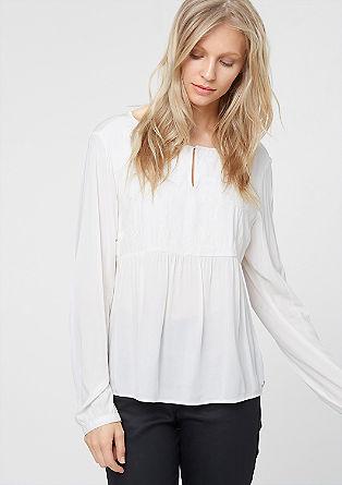 Bluza z vezenino na sprednji strani