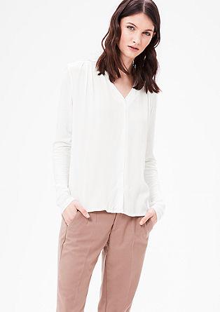 Bluzna majica iz mešanice materialov