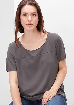 Bluzna majica z dekorativnimi šivi