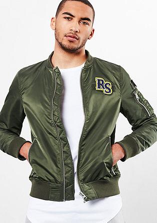 Bomber jakna z našitki