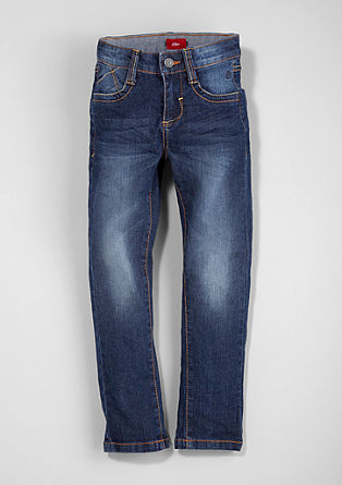 Brad: Stretchy denim from s.Oliver