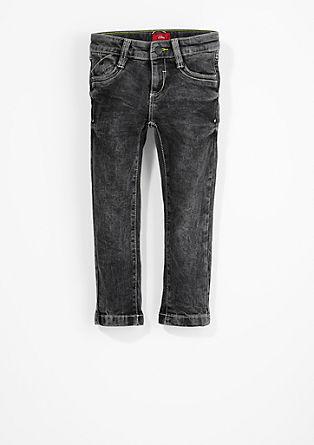 Brad Slim: jeans s svetlimi šivi