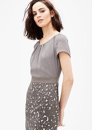 Business šaty ze směsi materiálů