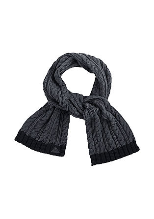 Cable knit scarf from s.Oliver