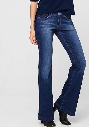 Catie Bell Bottom: flared jeans