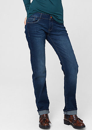 Catie Straight: faded denim jeans from s.Oliver