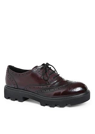Čevlji na vezalke brogue s čvrstim podplatom
