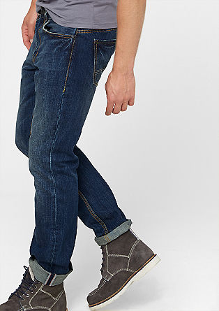 Close Slim: classic blue jeans from s.Oliver