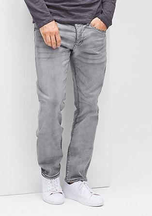 Close Slim: jeans hlače v videzu narobe obrnjenega oblačila
