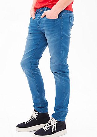 Close Slim: raztegljive jeans hlače