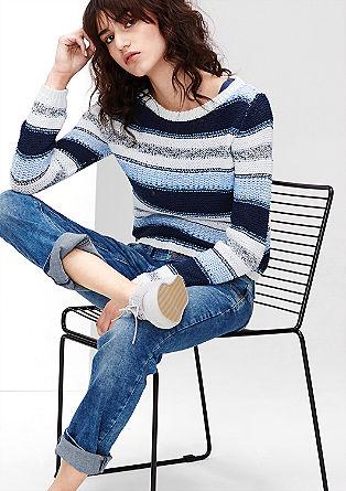 Črtast pulover iz različnih prej