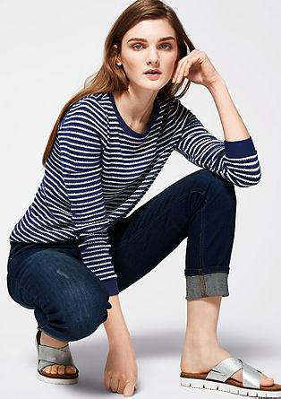 Črtast pulover z obrobo
