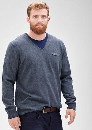 Črtast pulover z V-izrezom
