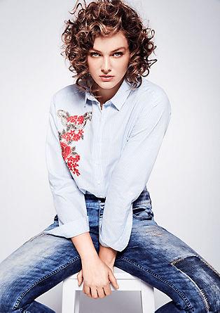 Črtasta bluza z aplikacijo cvetlic