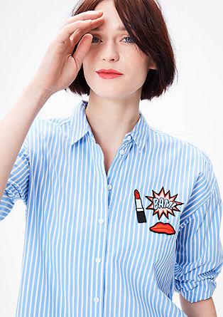 Črtasta bluza z našitki