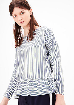 Črtasta bluza z volanom