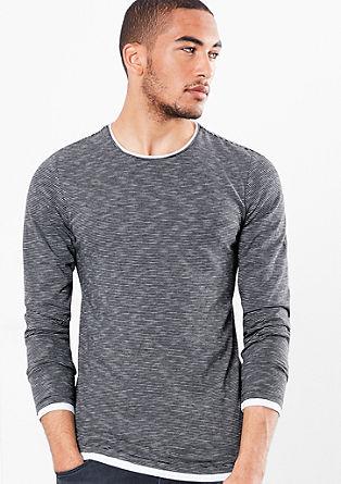 Črtasta majica večslojnega videza