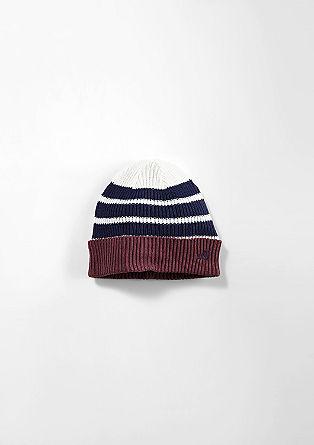Črtasta pletena kapa