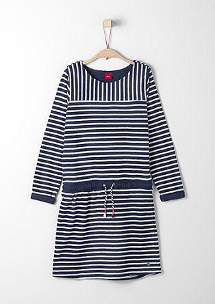 Črtasta pletena obleka