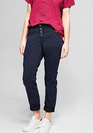 Curvy: Geknöpfte Stretch-Jeans