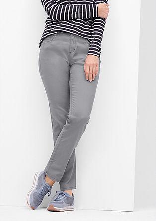 Curvy: jeans brez spranega videza