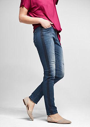 Curvy: Jeans mit Kontraststreifen