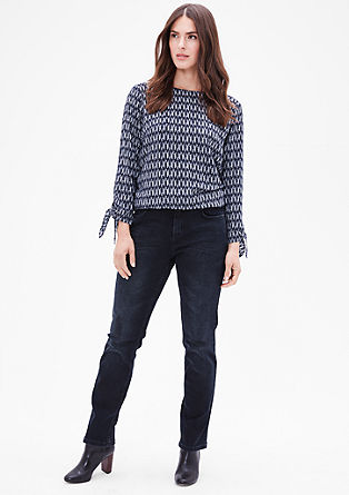 Curvy: jeans with a slim leg from s.Oliver