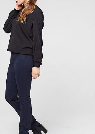 Curvy: ozke hlače iz tvila
