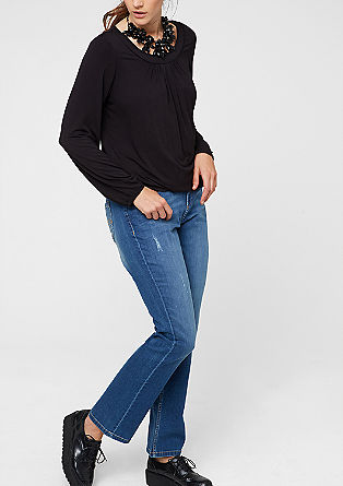 Curvy: Stretch-Jeans mit Destroyes