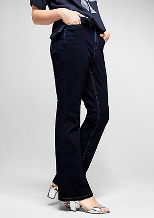 Curvy flare: dark stretch jeans from s.Oliver