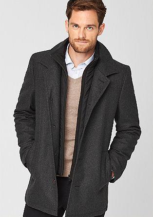 Daljša volnena jakna v večslojnem videzu
