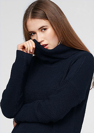Dolg pulover iz mešanice struktur