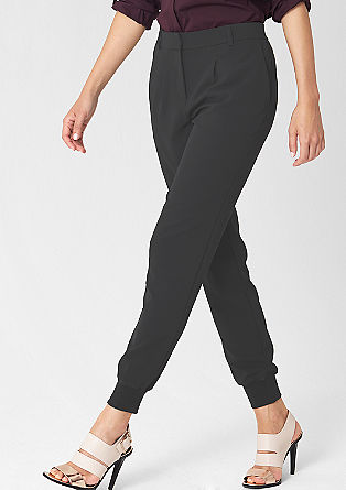 Easy: business trousers in the style of tracksuit bottoms from s.Oliver