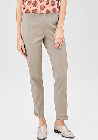 Easy: stretchy chinos from s.Oliver