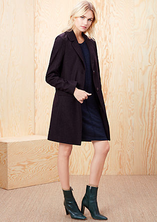 Elegante mantel van een scheerwolmix